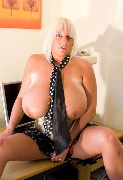 emilia-boshe-boobs