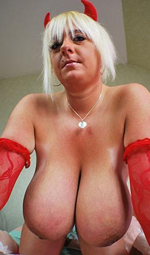 emilia-boshe-the-naughty-devil